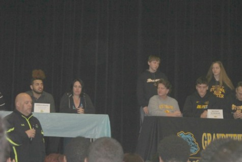 Bulldogs sign to play collegiate sports